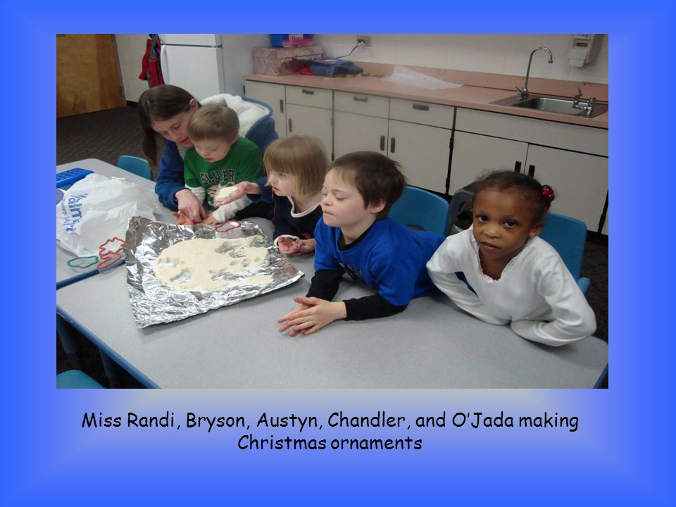 Miss Randi, Bryson, Austyn, Chandler, and O'Jada making Christmas ornaments