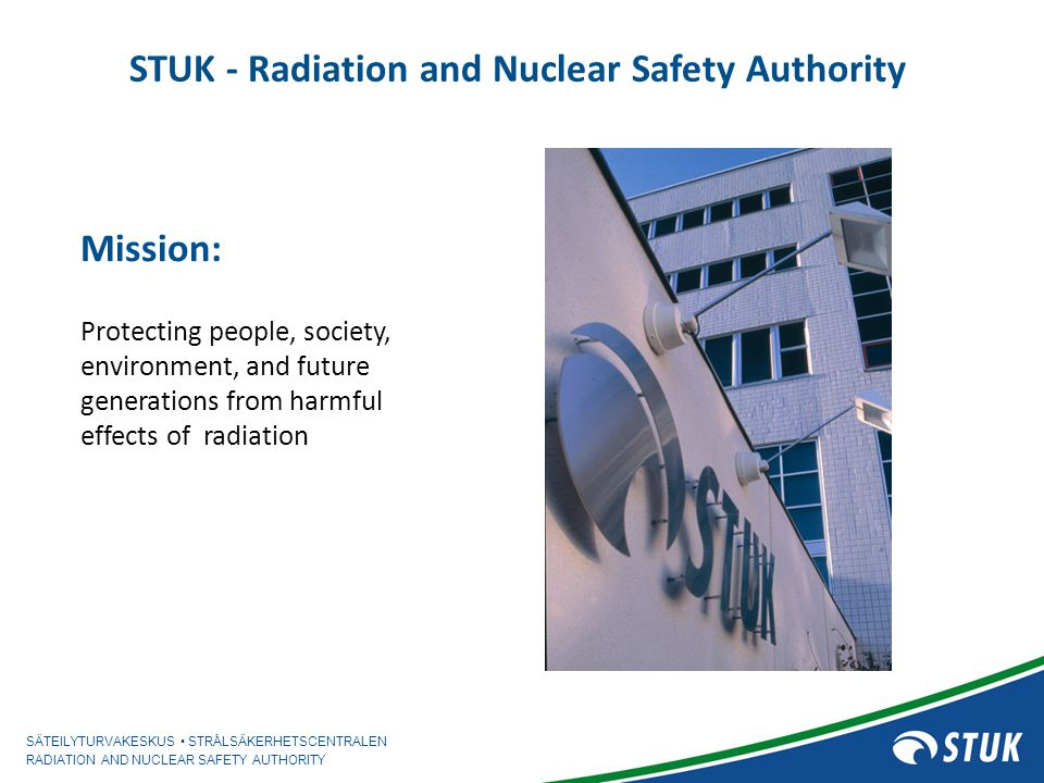 SÄTEILYTURVAKESKUS STRÅLSÄKERHETSCENTRALEN RADIATION AND NUCLEAR SAFETY AUTHORITY 14 September 2011/ I Aro Design Extension Conditions (DEC) DEC A –includes conditions in which a common cause failure (CCF) in a safety system is assumed during anticipated operational occurrence (DBC 2) or class 1 accident (DBC 3), overall frequency of an event ~10 -4 - 10 -5 -as an example - ATWS -station black out -total loss of feed water -LOCA together with the complete loss of one emergency core cooling system -total loss of the CCWS -total loss of the RHR -loss of ultimate heat sink -loss of fuel pool cooling –realistic assumptions are applied for accident analysis single failure is assume in safety systems DEC B –includes complex sequences and rare external events –as an example multiple stem generator tube rupture (~10) extreme weather condition large airplane crash –realistic assumptions are applied for accident analysis STUK