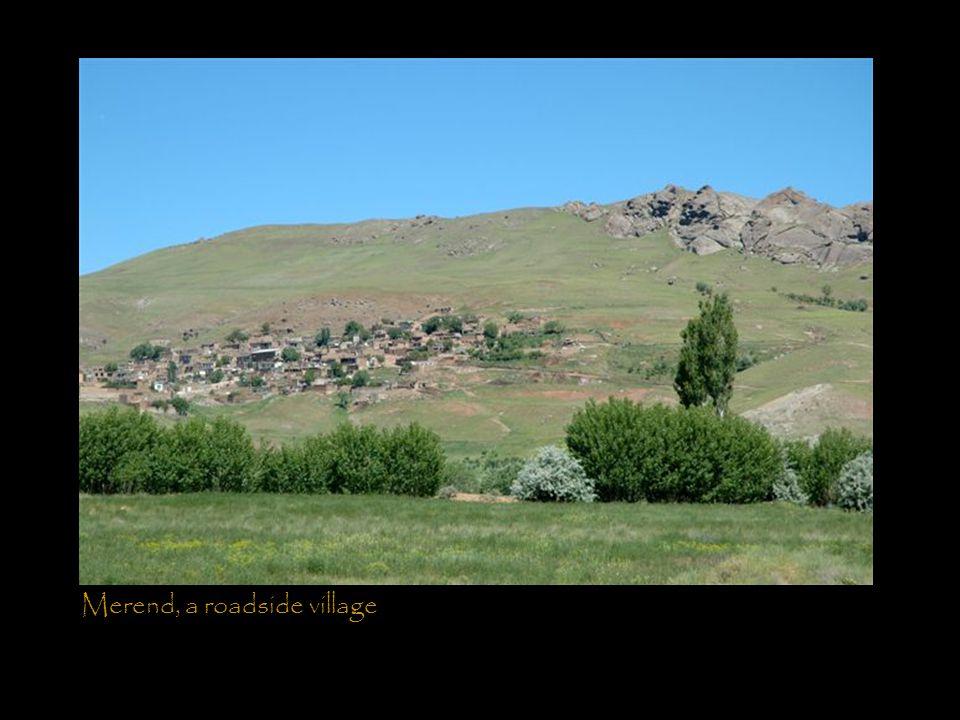 Merend, a roadside village