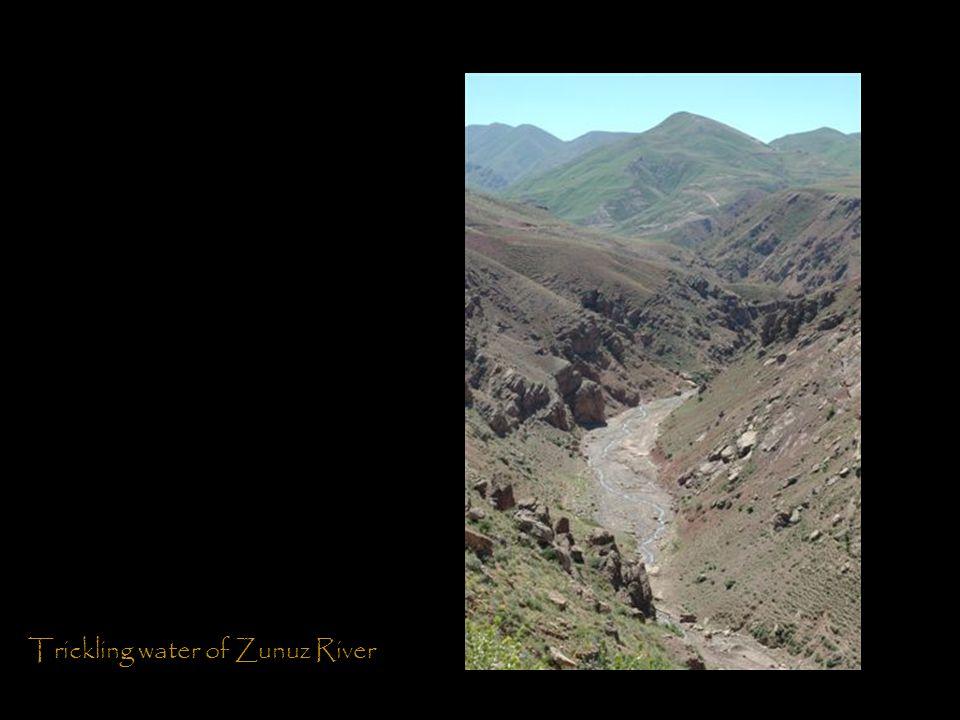 Trickling water of Zunuz River