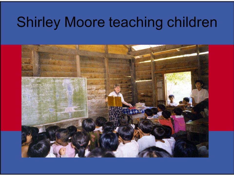 Shirley Moore teaching children