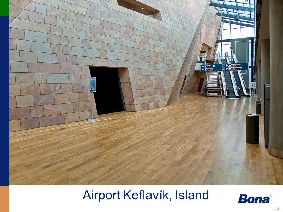 28 Airport Keflavík, Island