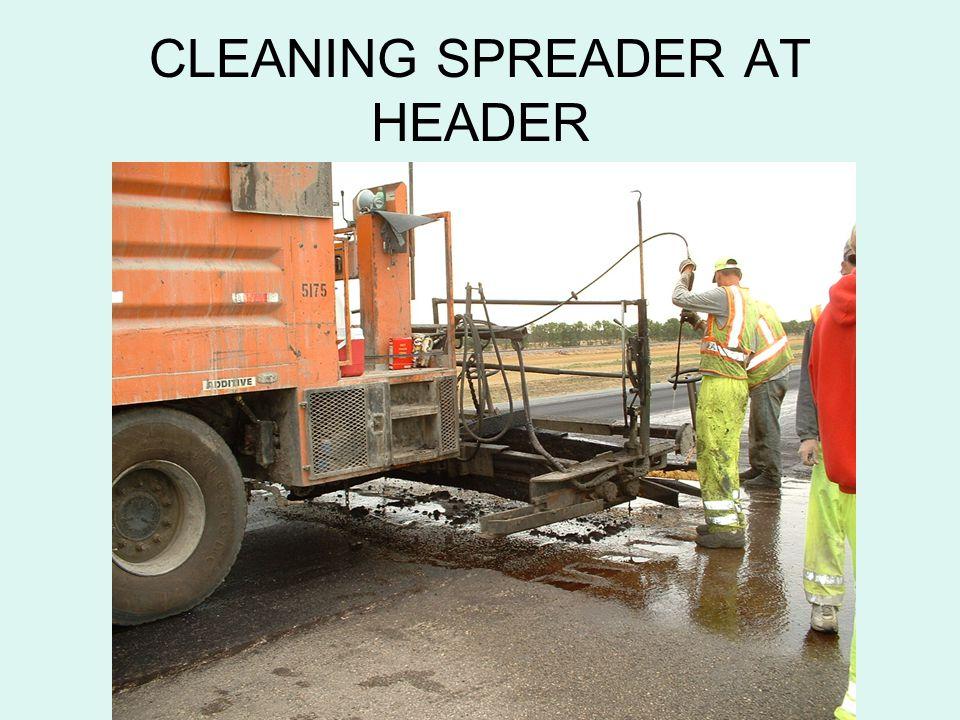 CLEANING SPREADER AT HEADER