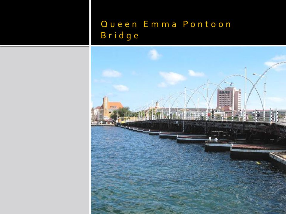 Queen Emma Pontoon Bridge