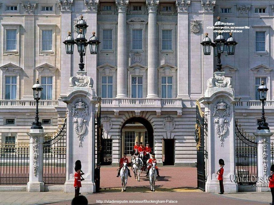 白金汉宫 (Buckingham Palace )是英国的王宫。 建造在威斯敏斯特城内,位于伦敦詹姆士公园 ( St.