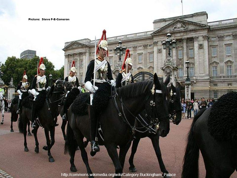 http://commons.wikimedia.org/wiki/Category:Buckingham_Palace Picture: Christian Horcel