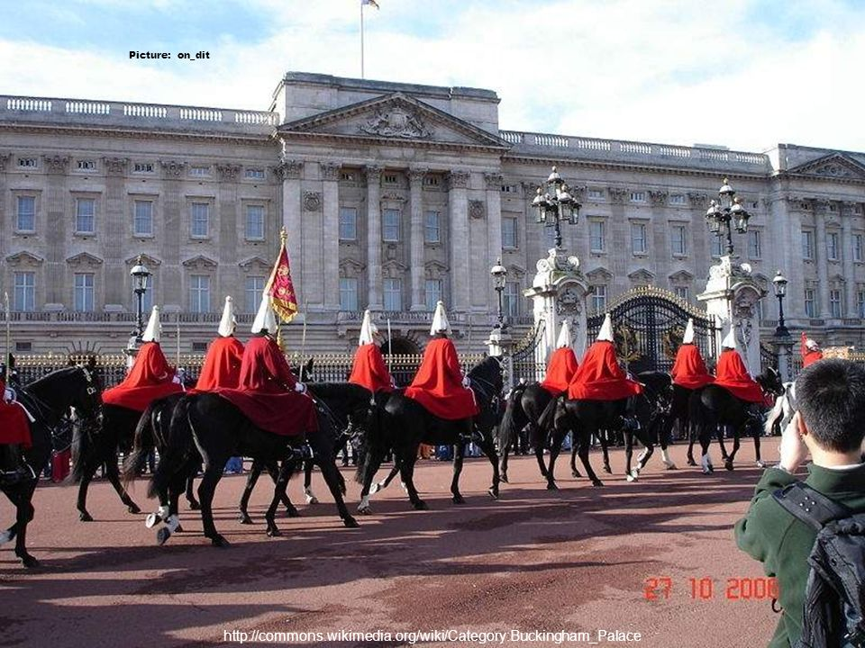 http://commons.wikimedia.org/wiki/Category:Buckingham_Palace Picture: Corres