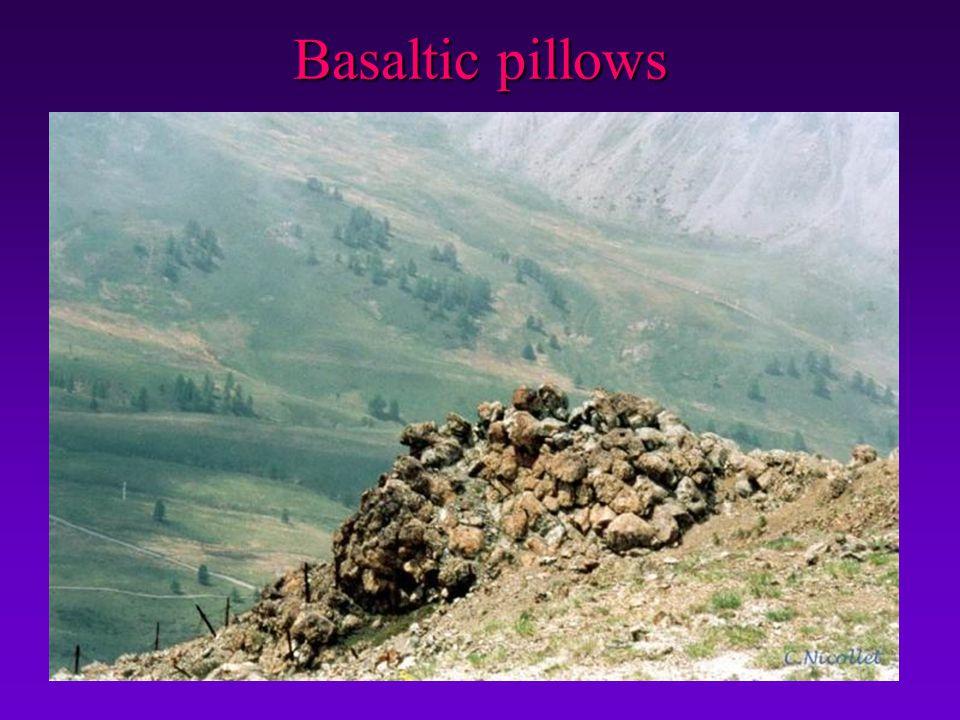 Basaltic pillows