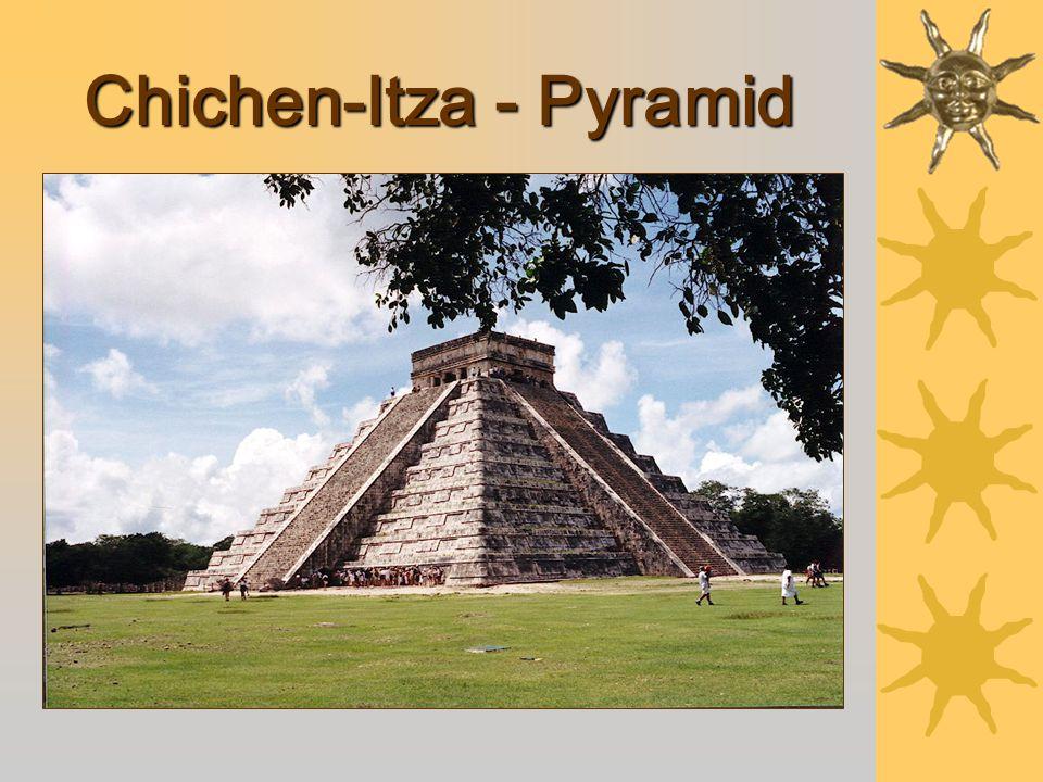 Chichen-Itza - Pyramid