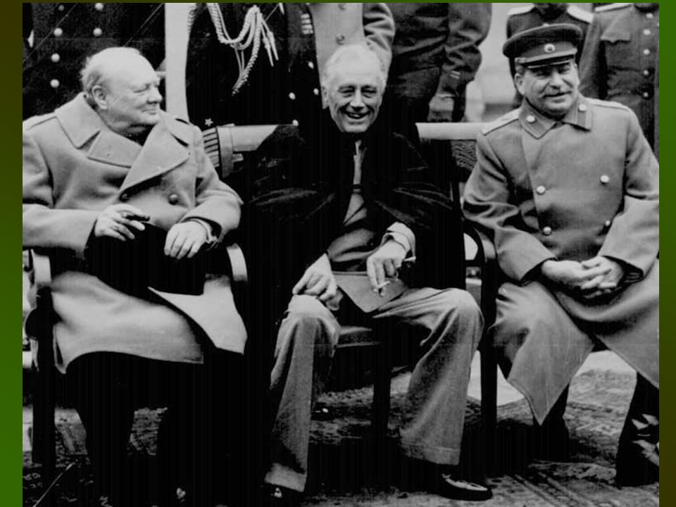 b.Potsdam Conference, July-Aug 1945 Truman meets with Stalin & Churchill Issued a declaration calling for the unconditional surrender of Japan…or face utter destruction Democratic government set up in Germany War Crimes trials to begin Zones of occupation set up in Berlin, Germany