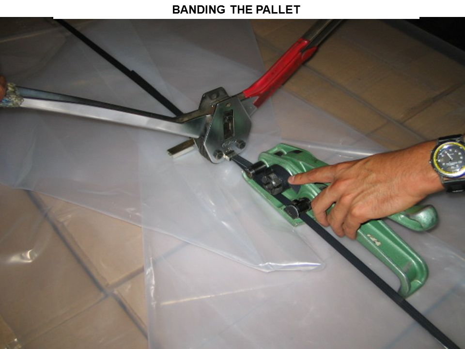 BANDING THE PALLET