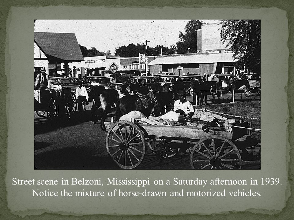 Street scene in Belzoni, Mississippi on a Saturday afternoon in 1939.