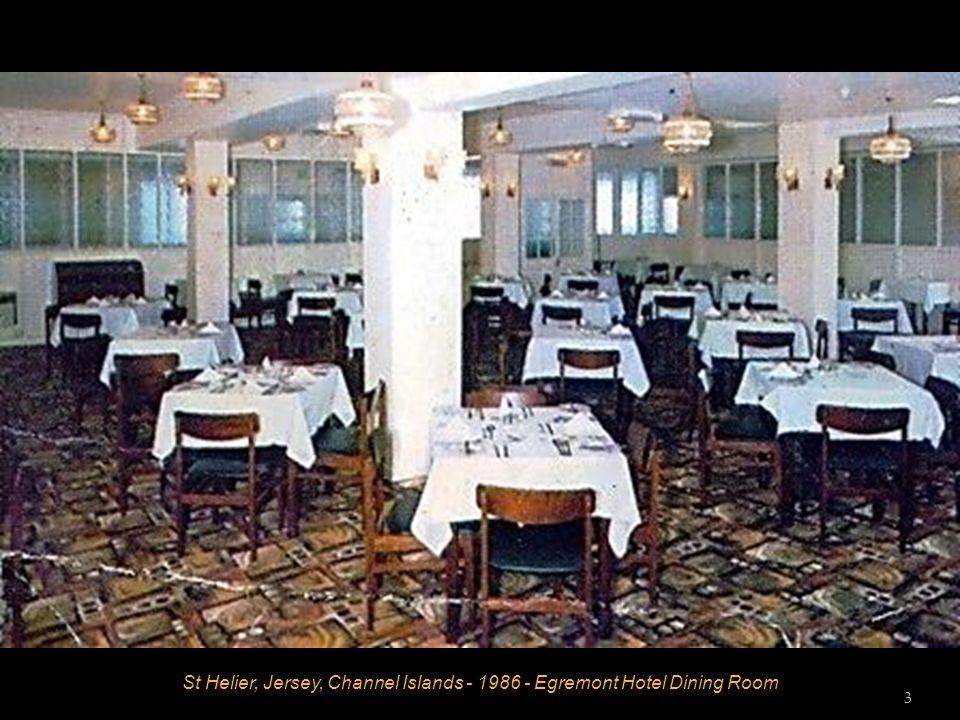 St Helier, Jersey, Channel Islands - 1986 - Egremont Hotel Lounge 2