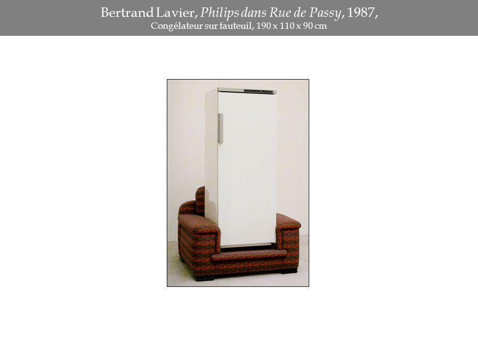 Bertrand Lavier, Philips dans Rue de Passy, 1987, Congélateur sur fauteuil, 190 x 110 x 90 cm