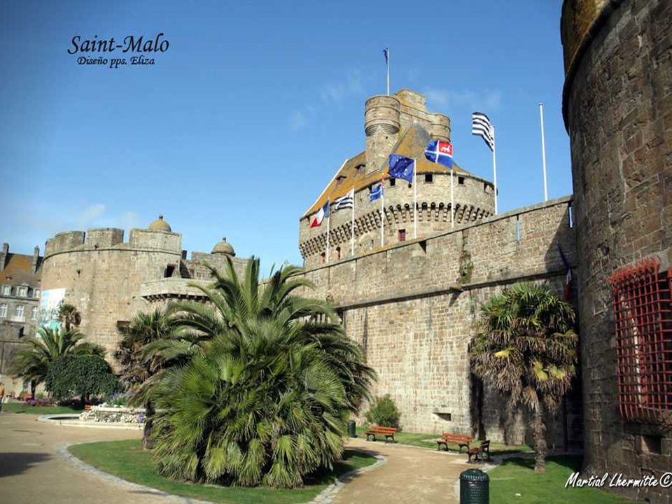Like a stone boat aground at the mouth of the Rance River, Saint-Malo ramparts proudly displayed next to the beach and port. The facades and towers th