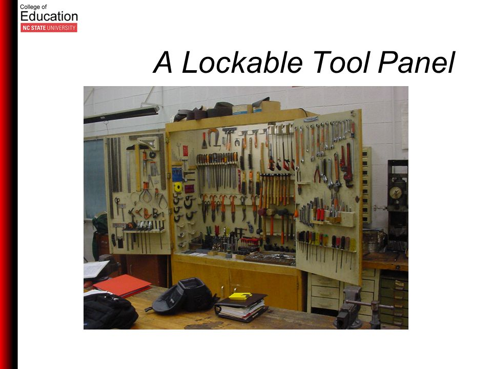 A Lockable Tool Panel