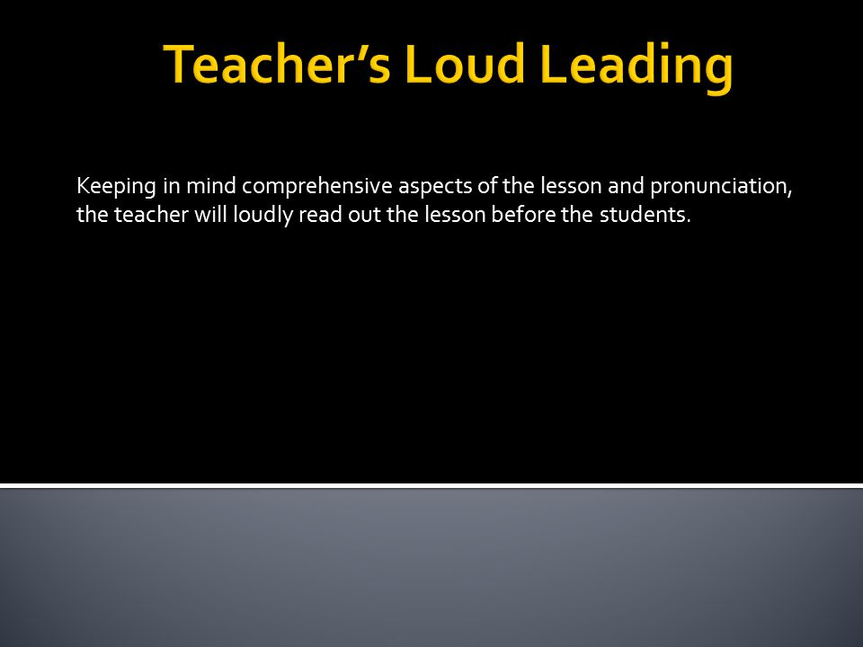 Some students will read out the lesson loudly, one after another.