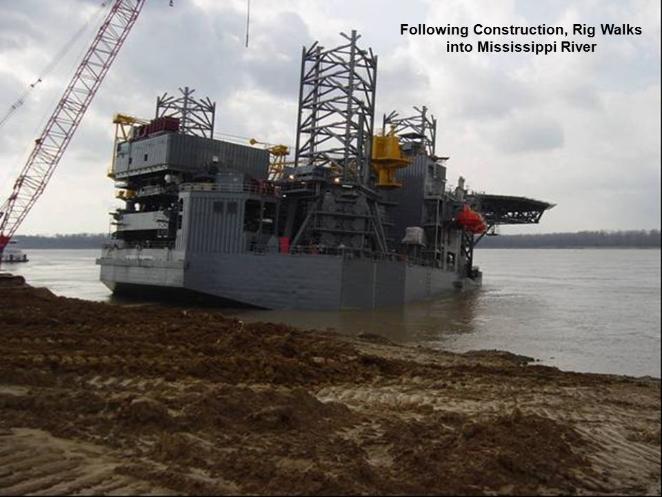 Following Construction, Rig Walks into Mississippi River