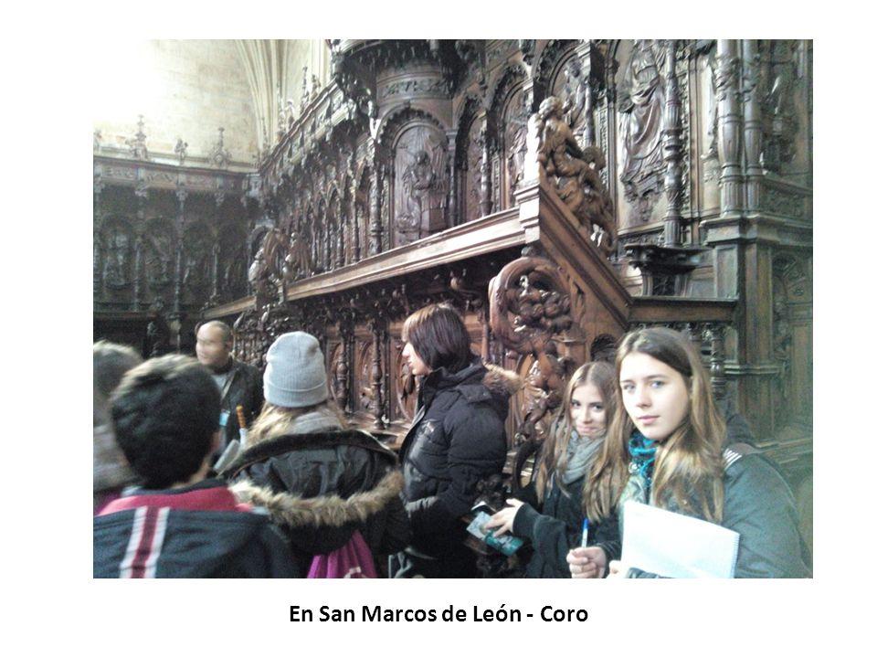 En San Marcos de León - Iglesia