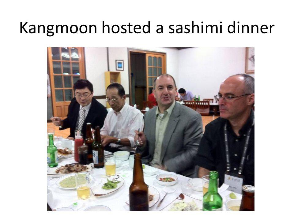 Kangmoon hosted a sashimi dinner