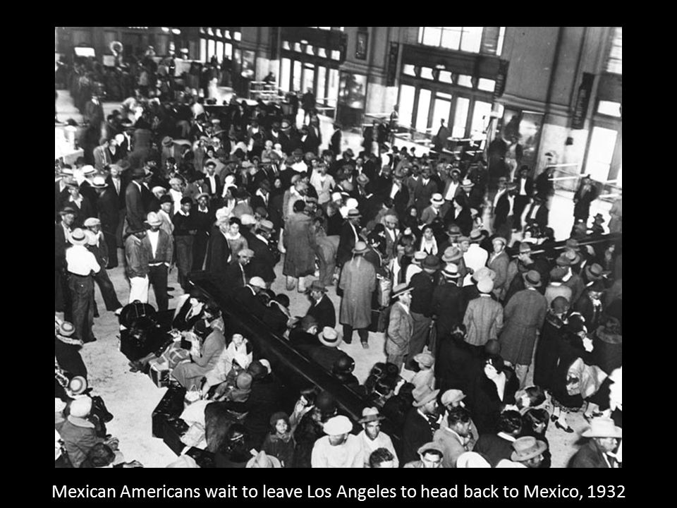Mexican Americans wait to leave Los Angeles to head back to Mexico, 1932