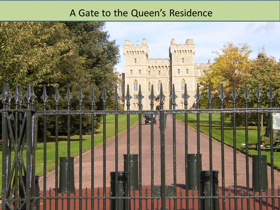 A Gate to the Queen's Residence