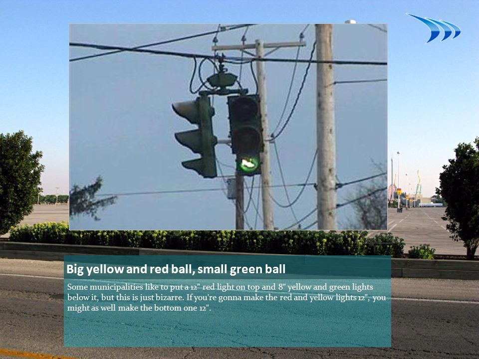 Simultaneous yellow and green signal light (part 3) Finally, perhaps the most interesting part of this yellow-green light mystery is that it appears to not be as simple as a wiring error, since both signal heads display the yellow-green lights.