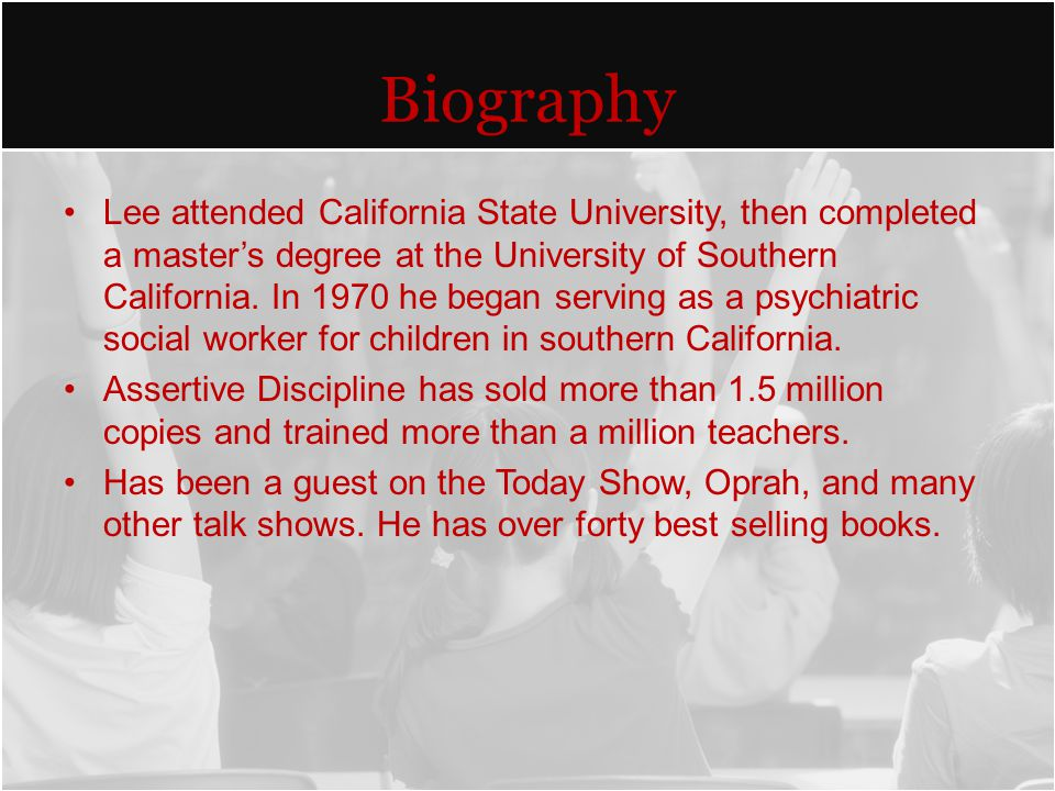 Biography Lee attended California State University, then completed a master's degree at the University of Southern California.