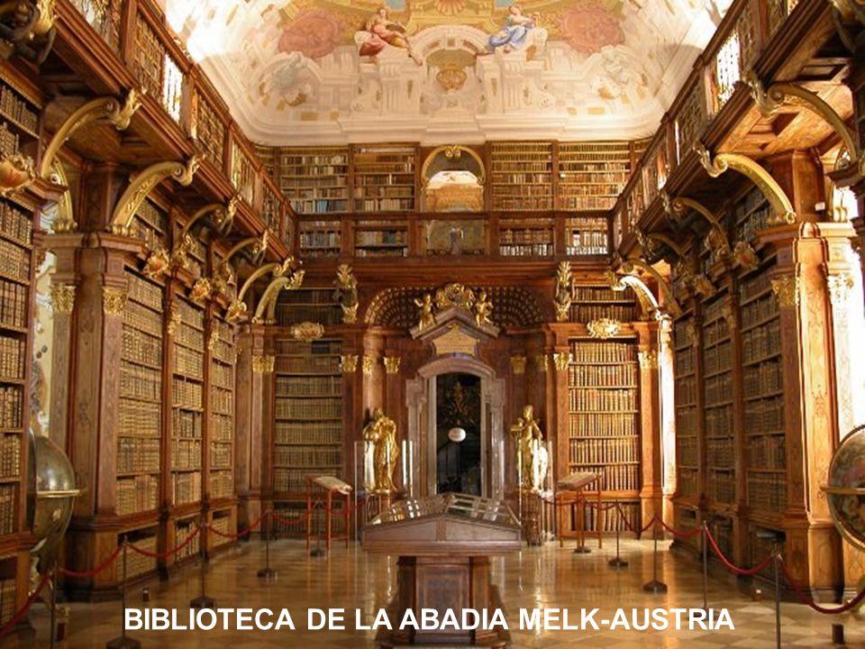 BIBLIOTECA DE HELSINKI-FINLANDIA