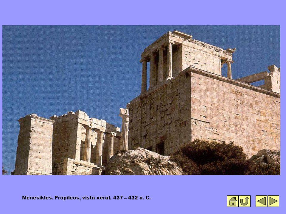 Menesikles. Propíleos, vista xeral. 437 – 432 a. C.