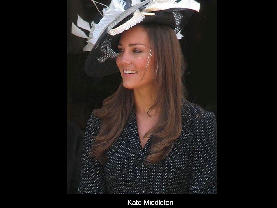 英國威廉王子 (Prince William) 與凱薩琳.密道頓 (Catherine Middleton)2011 年 4 月 29 日在西敏寺交換 婚戒完成婚禮。 劍橋公爵夫人凱薩琳殿下( HRH Catherine, Duchess of Cambridge ,婚前名:凱特 · 密道頓, (K