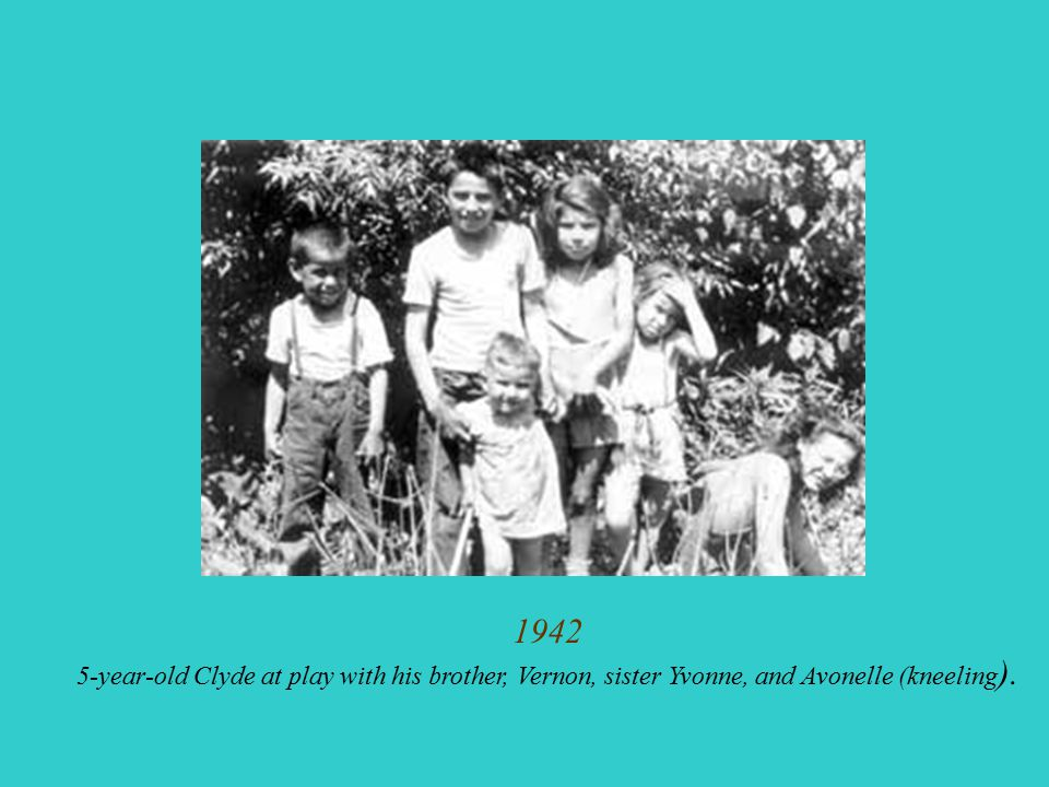 1942 5-year-old Clyde at play with his brother, Vernon, sister Yvonne, and Avonelle (kneeling ).