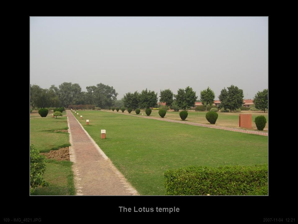 The Lotus temple 109 - IMG_4821.JPG2007-11-04 12:21