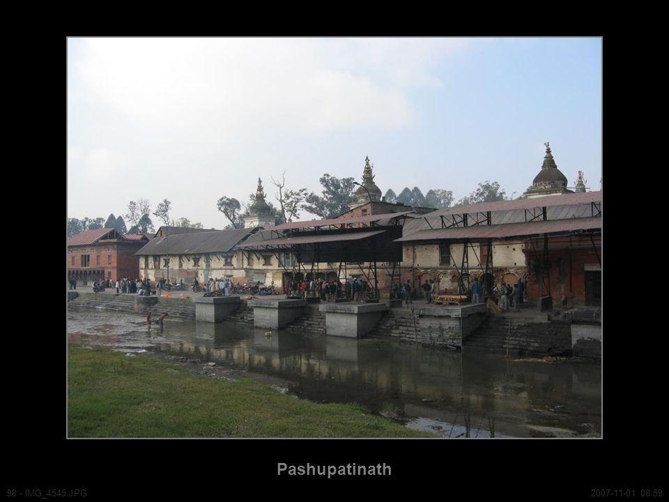 Pashupatinath 98 - IMG_4545.JPG2007-11-01 08:59