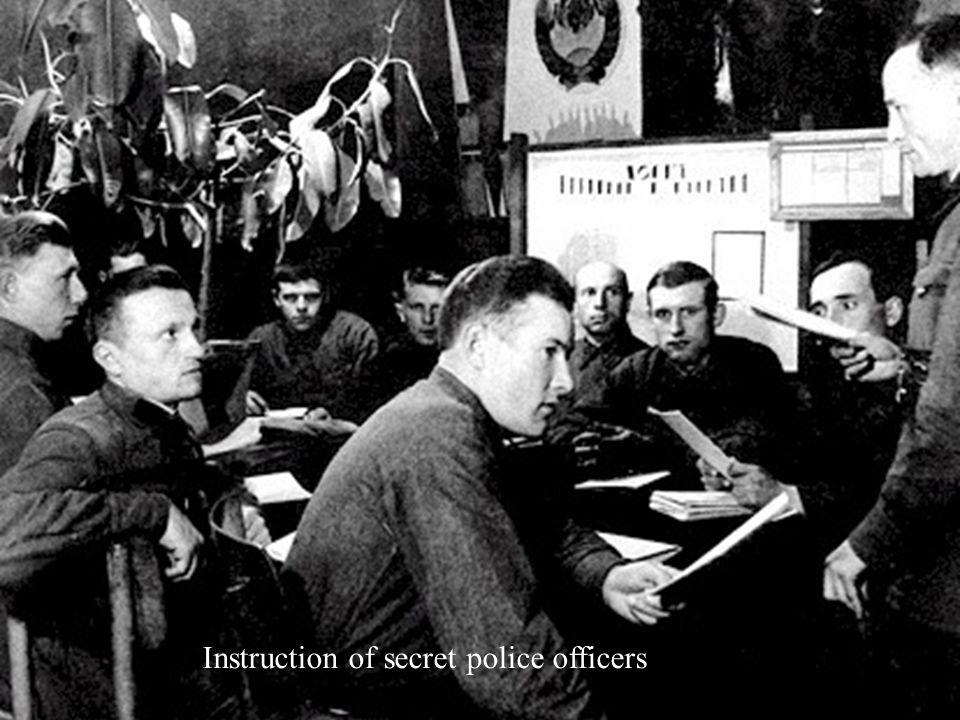 Instruction of secret police officers