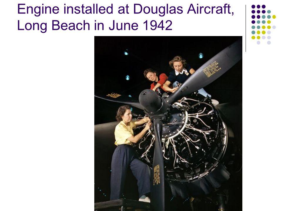Installation of the engine Douglas Aircraft, Long Beach California, Oct 1942