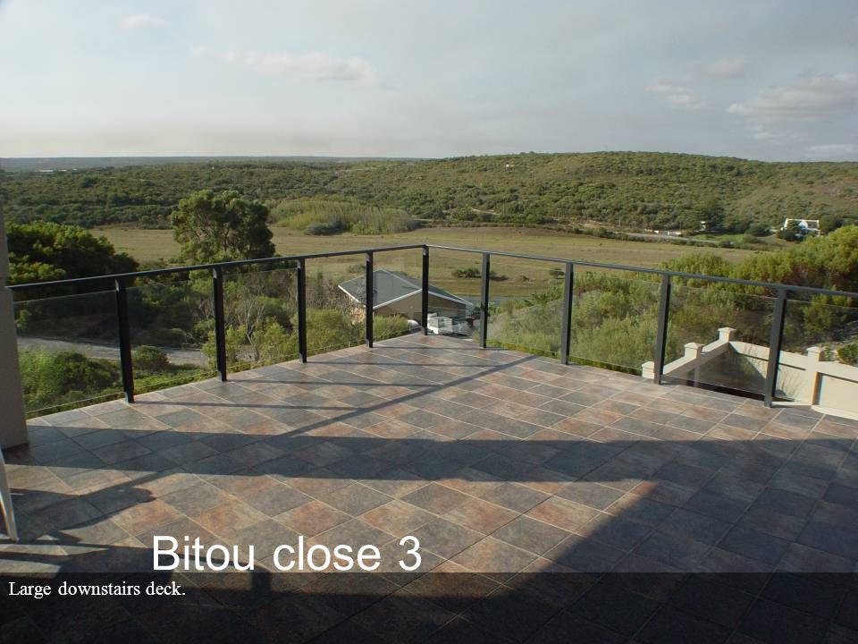 Large downstairs deck. Bitou close 3