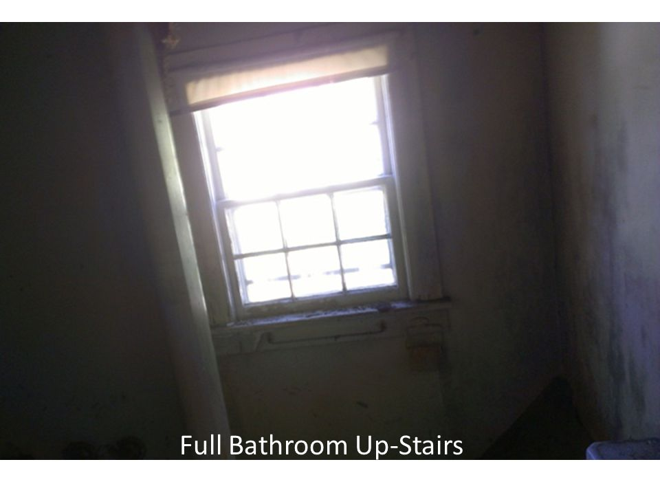 Full Bathroom Up-Stairs