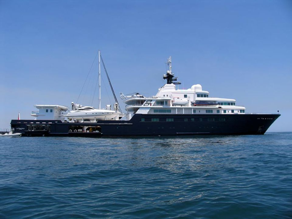 """Le Grand Bleu"" (tender to main vessel)"