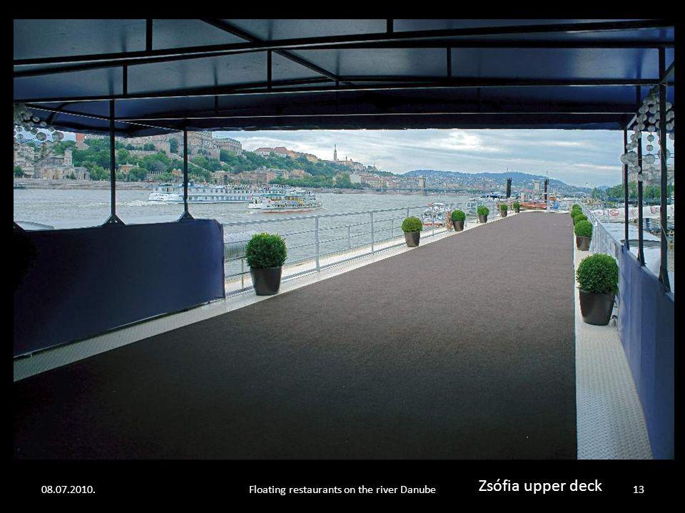 08.07.2010.Floating restaurants on the river Danube12 Zsófia interior