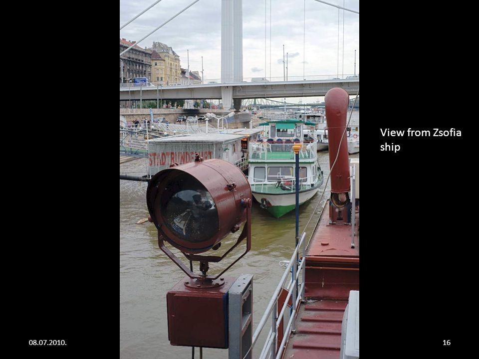 08.07.2010.Floating restaurants on the river Danube15 Blue River Pub