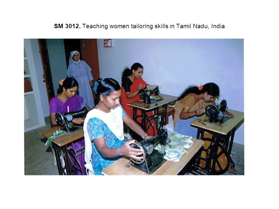 SM 3012. Teaching women tailoring skills in Tamil Nadu, India