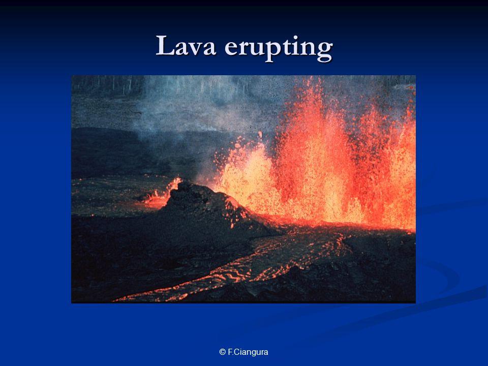 © F.Ciangura Lava erupting
