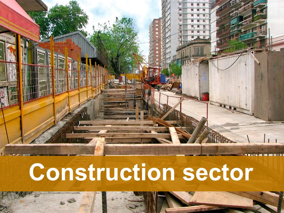 What are the main challenges for learning in construction sector?