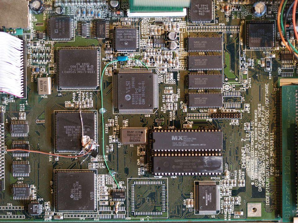 [Amiga mainboard photo]