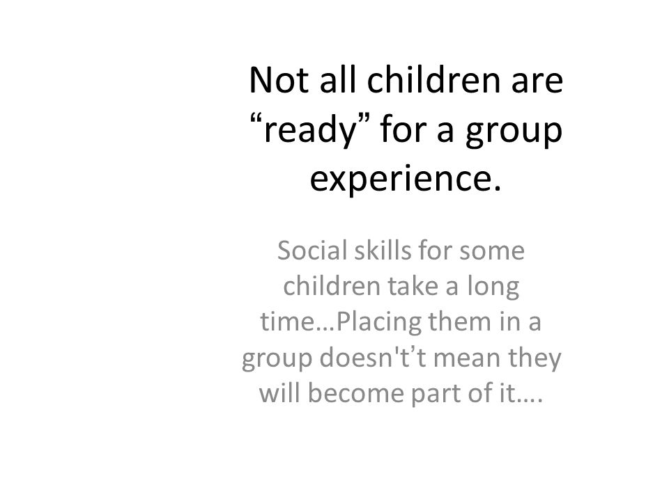 Stages of Social Play Parten Solitary Play(playing by myself) Parallel Play(side by side play) Onlooker Play(watching from a distance) Associative Pla