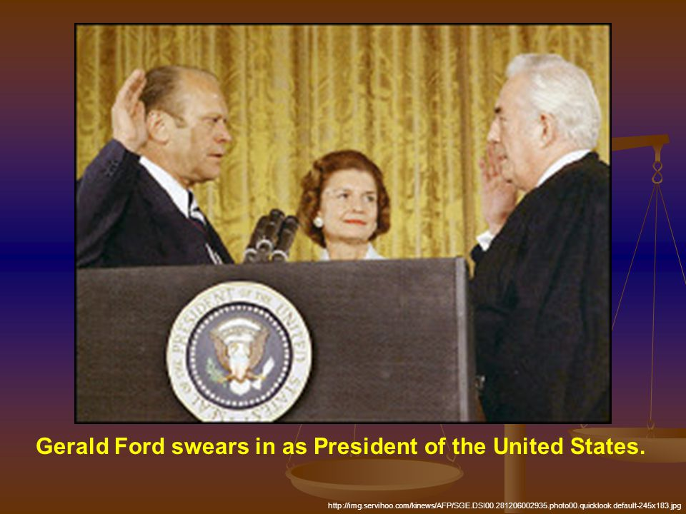 Gerald Ford swears in as President of the United States. http://img.servihoo.com/kinews/AFP/SGE.DSI00.281206002935.photo00.quicklook.default-245x183.j