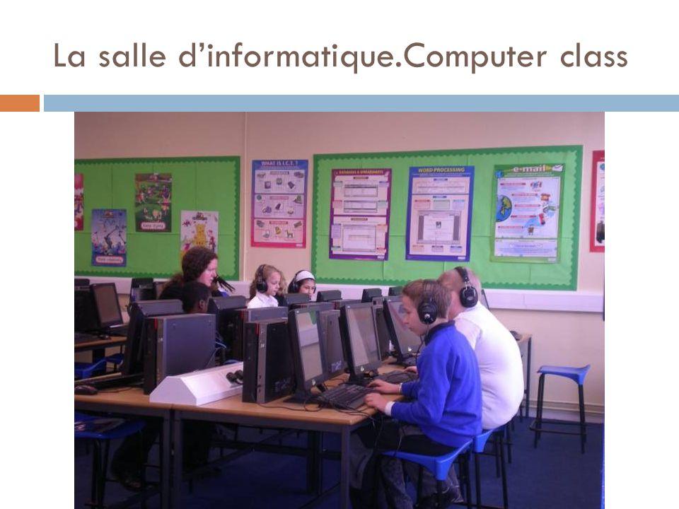 La salle d'informatique.Computer class