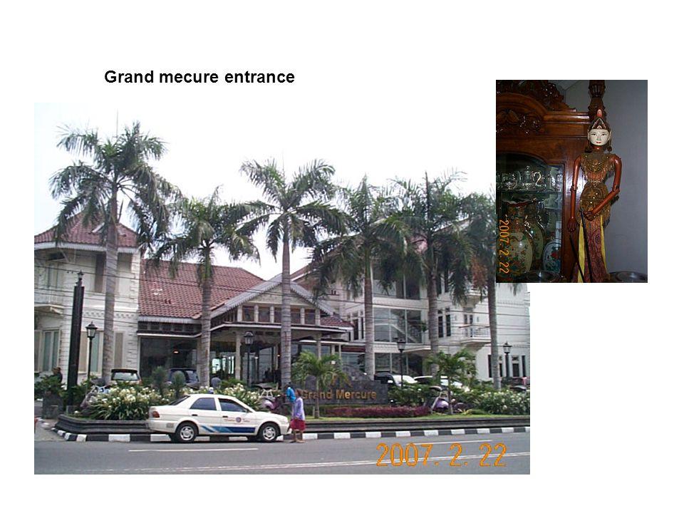 Grand mecure entrance