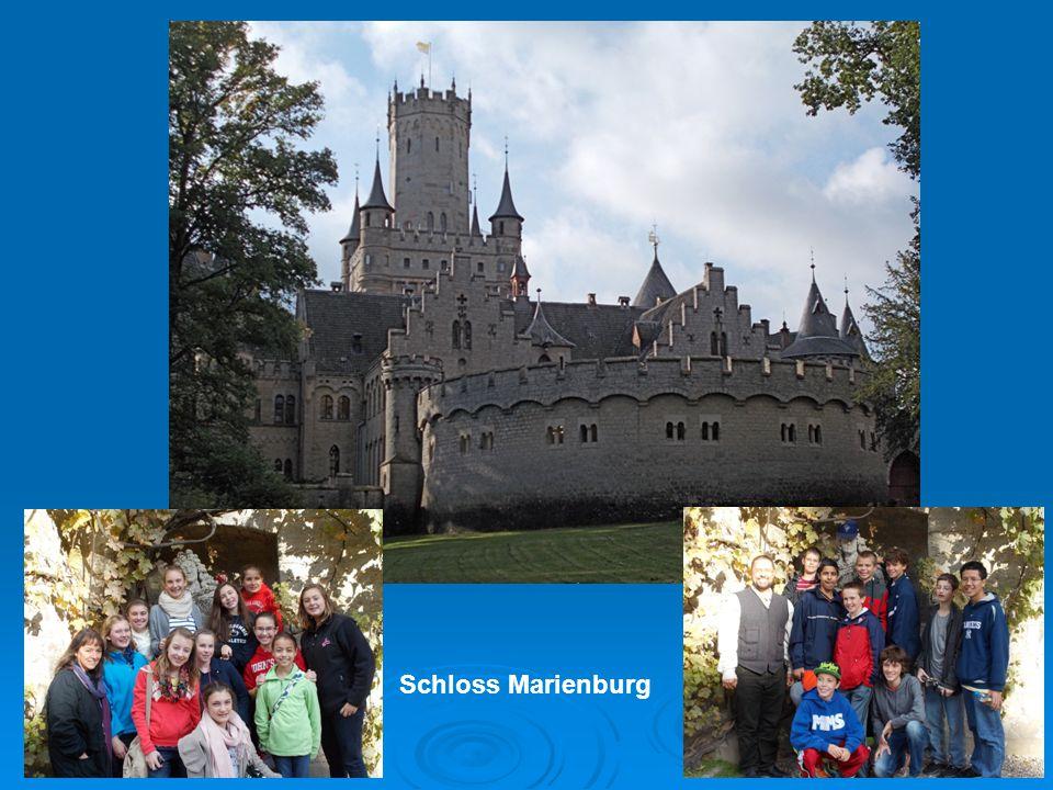 2525 Schloss Marienburg